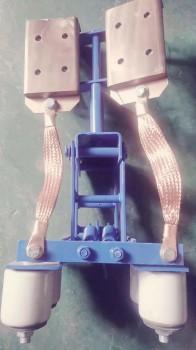 正装式钢体滑触线集电器